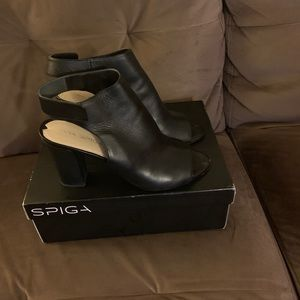Shoes - Black Sling back chunky heel